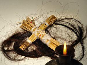 Как делать приворот на волосы
